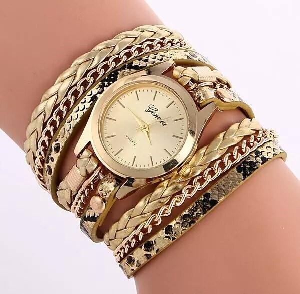 Многослойные часы с браслетом