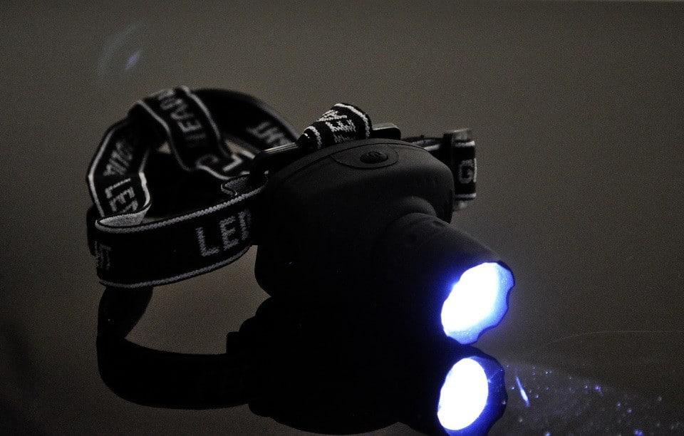 Мощный недорогой налобный фонарь купить на Алиэкспресс