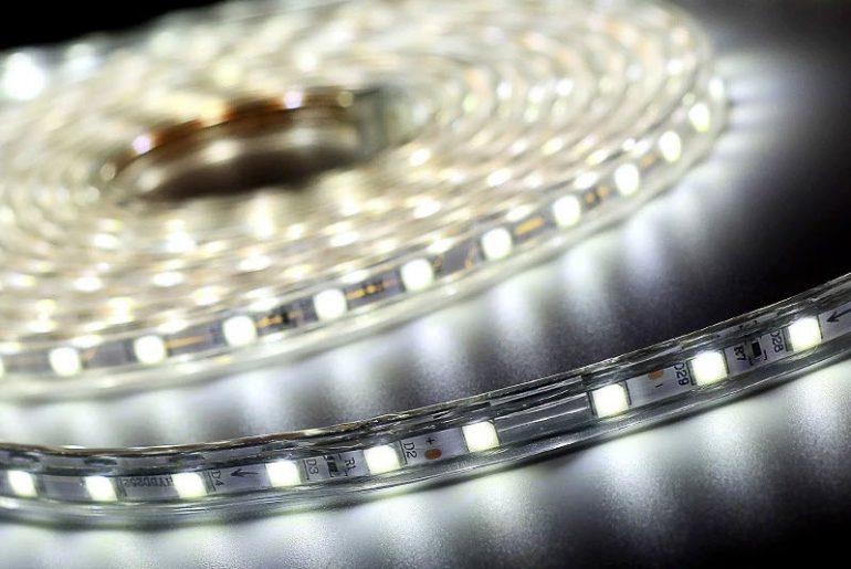 Светодиодные лампы и ленты на Алиэкспресс